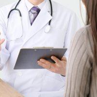 妊娠の初診はどこ?産む病院か近場のクリニックか…?